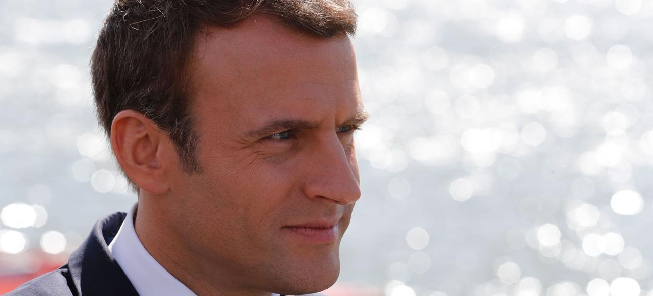 Pour mettre fin à l'hécatombe en Méditerranée, Emmanuel Macron a proposé, le 27 juillet, de créer des centres de traitement administratif en Afrique pour les migrants.