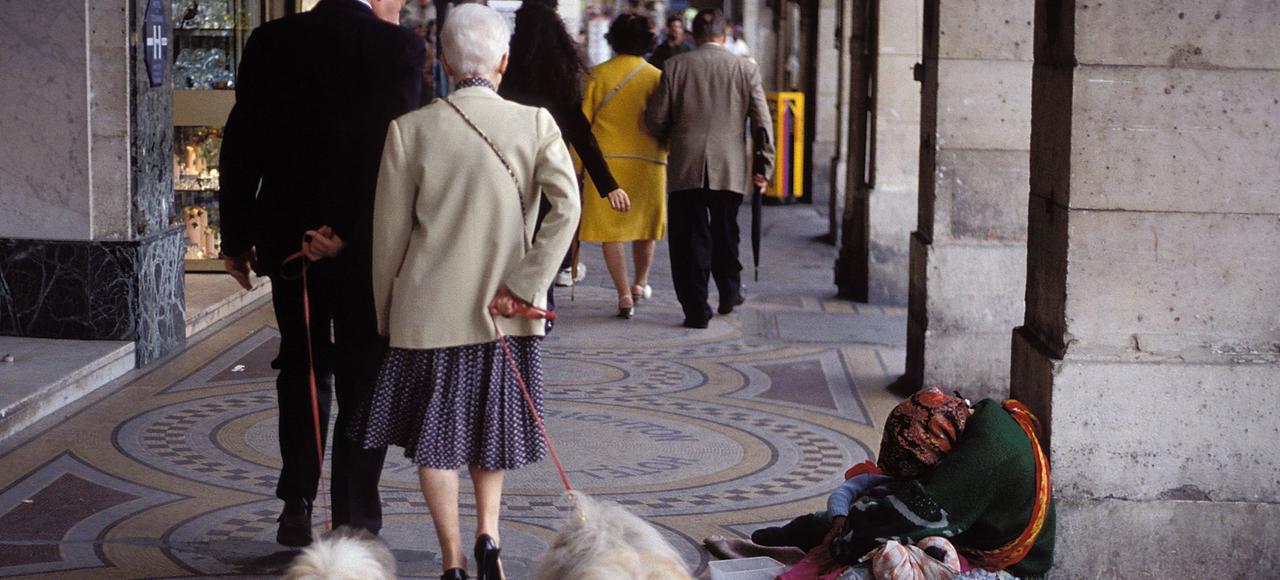 Les trois quarts des gens, selon l'étude, acceptent l'idée de prendre aux riches pour donner aux pauvres. Mais pas trop quand même...