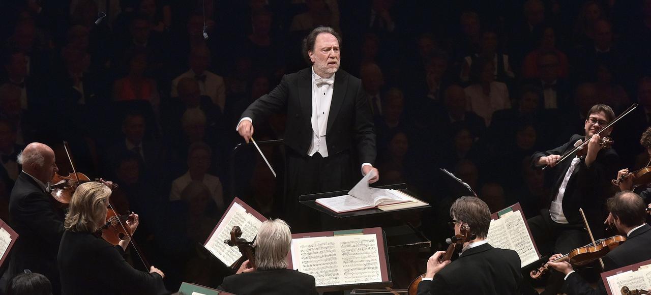 Riccardo Chailly est décidé à élargir le répertoire et à augmenter le nombre de concerts.