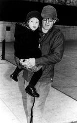 Woody Allen et Dylan Farrow (1992).
