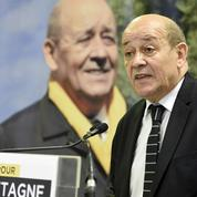 Bretagne: le PS et Le Drian résistent