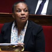 La droite réclame la démission de la ministre de la Justice