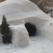 «Snowzilla» : iI construit un igloo et le propose sur Airbnb