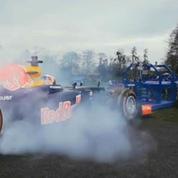 Un pilote et sa Formule 1 défient en mêlée … le pack d'un club anglais