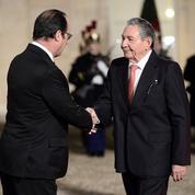 Cuba: Hollande convertit une partie de la dette et plaide pour une levée totale de l'embargo