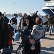 Cazeneuve en Grèce et en Turquie pour colmater Schengen