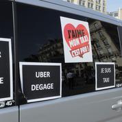 À Montréal, deux taxis s'en prennent à Uber avec un marteau