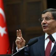 La Turquie pilonne les forces kurdes en Syrie