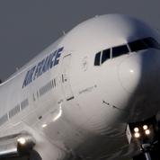 Air France-KLM sort du rouge et reste profil bas