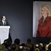 François Hollande préside l'hommage républicain à Sophie Dessus