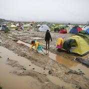 Que vont devenir les migrants bloqués en Grèce?