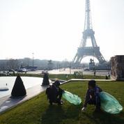À Paris et Marseille, les étrangers se mobilisent pour nettoyer les lieux publics