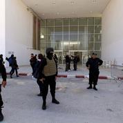 Un an après l'attentat du Bardo, la démocratie tunisienne fragilisée par les djihadistes
