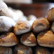 A Nice, un boulanger vend sa baguette à moitié prix pour les retraités