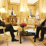 Déchéance de nationalité: François Hollande temporise
