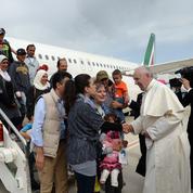 Pourquoi le Pape est rentré de Grèce avec des réfugiés musulmans