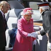 À 90 ans, la reine Elizabeth II ne lâche rien