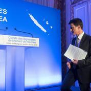 Manuel Valls en mission en Nouvelle-Calédonie
