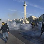 Défilés du 1er Mai : faible mobilisation et des débordements à Paris