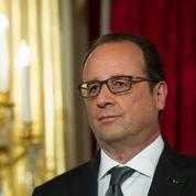 À l'approche de 2017, Hollande multiplie les cadeaux