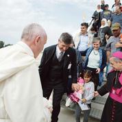 Migrants: les coulisses de l'opération controversée du Pape