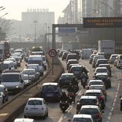 Vieilles voitures interdites à Paris: les automobilistes attaquent la mairie