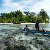 Pacifique : quinze naufragés secourus après avoir dérivé cinq semaines
