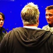 Valérian : Luc Besson prend la pose avec ses acteurs