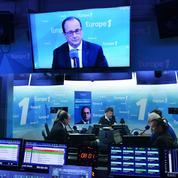 Présidentielle: Hollande fait miroiter une baisse d'impôts