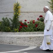 Racines chrétiennes, laïcité, islam : le pape prend-t-il des libertés avec l'Histoire ?