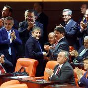 Les députés turcs approuvent la levée de l'immunité parlementaire
