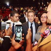 En déplacement à la Réunion, Sarkozy tonne contre un président «marchand de sable»