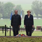 Hollande à Verdun: «Aimons notre patrie mais protégeons notre maison commune, l'Europe»