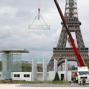 Fans zone: au pied de la tour Eiffel, le barnum sème la zizanie