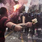 Blessé dans une manifestation à Paris : le Défenseur des droits ouvre une enquête