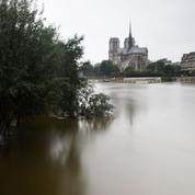 Inondations : pas de dégâts majeurs, Paris respire