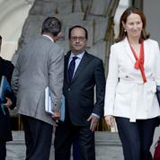 Grèves : Hollande et Valls n'excluent pas des réquisitions