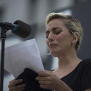Orlando: Lady Gaga en larmes rend hommage aux victimes