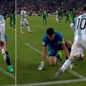 Quand Lionel Messi fait un petit pont à un gardien de but