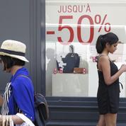 Les magasins de mode attendent avec appréhension le début des soldes