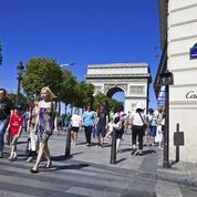 Les Champs-Élysées, un laboratoire insuffisant pour doper l'attractivité touristique de Paris