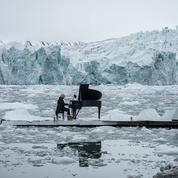 Le pianiste Ludovico Einaudi joue sur la banquise pour sauver l'Arctique
