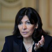 Travail dominical: Anne Hidalgo inflige un camouflet à Emmanuel Macron