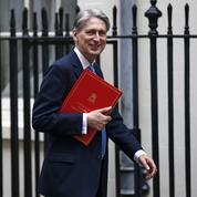 Grande-Bretagne: le nouveau ministre des Finances renonce à un budget Brexit d'urgence