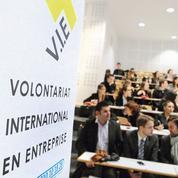 Les jeunes diplômés plébiscitent le volontariat international