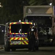 Attentat de Nice: l'Intérieur a-t-il menti sur la sécurisation de la promenade des Anglais?