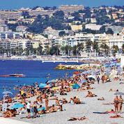 Sur la Côte d'Azur, plagistes et hôteliers pleins d'attention pour sauver la saison