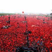 En Turquie, les rassemblements unitaires masquent la fragilité du chef de l'État