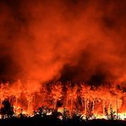Incendies dans le Sud: «Le vent va totalement cesser mais le risque de reprise reste élevé»