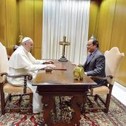 Hollande: le Pape est «un frère aux côtés du peuple français»